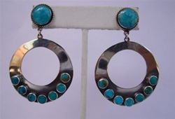 EARRINGS 67