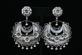 EARRINGS 74