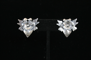 EARRINGS 76