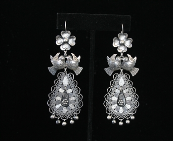 EARRINGS 84