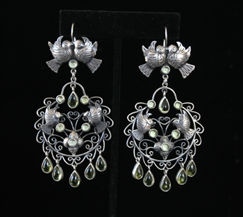 EARRINGS 105